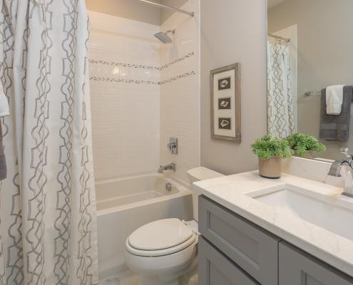 The Canterbury | Bathroom