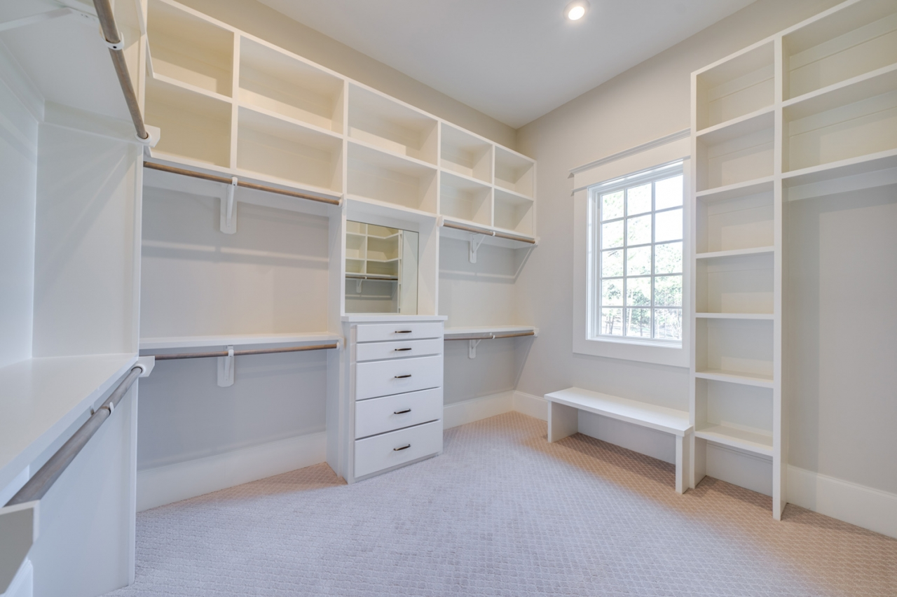 The Gastonbury | Master Closet