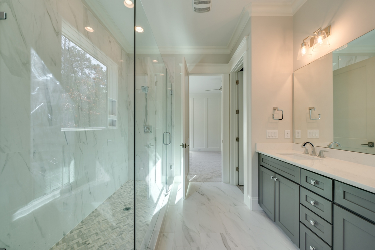 The Gastonbury | Bathroom