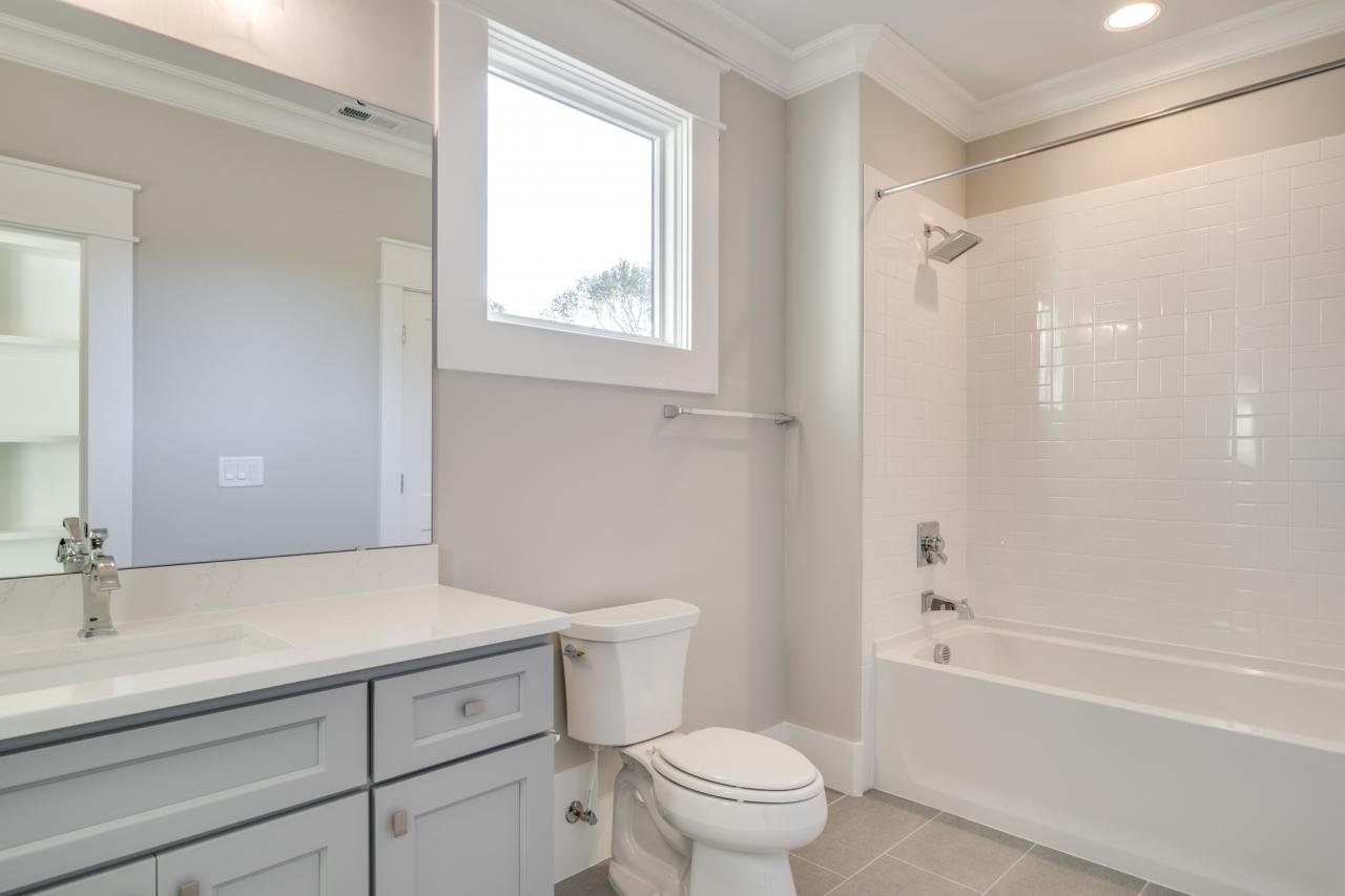 The Palisades | Bathroom