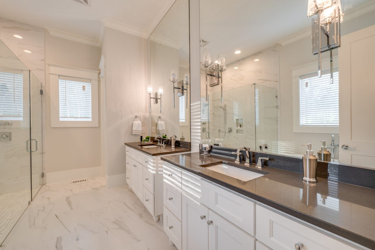The Swansea | Master Bathroom