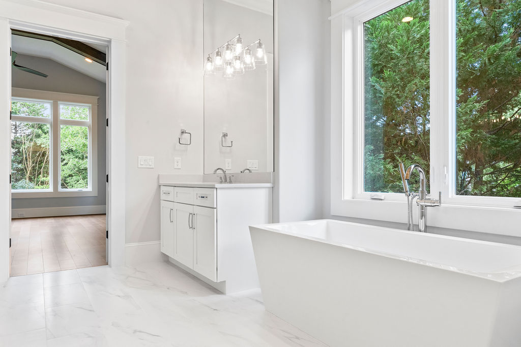 The Buckingham | Bathroom