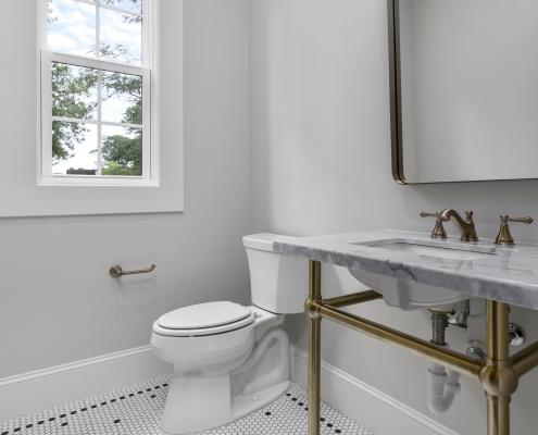 The Silver Oak | Bathroom