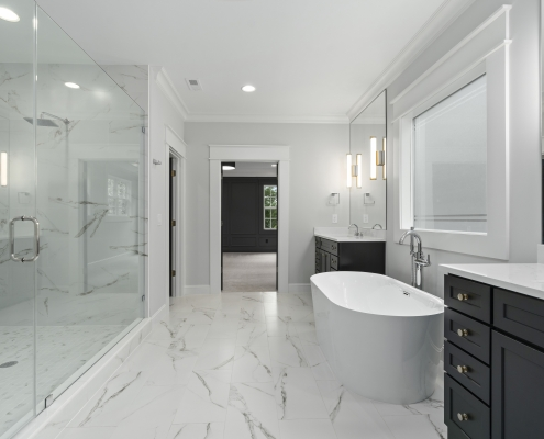 The Silver Oak | Master Bathroom