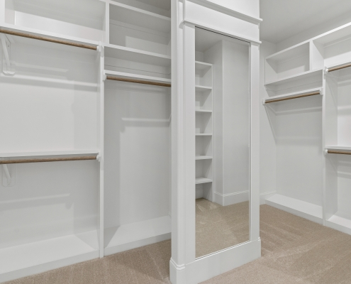 The Silver Oak | Master Closet