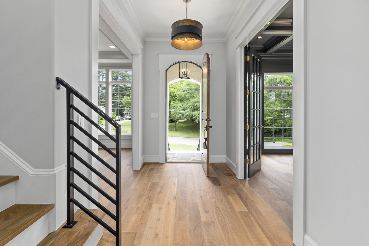 The Silver Oak | Foyer