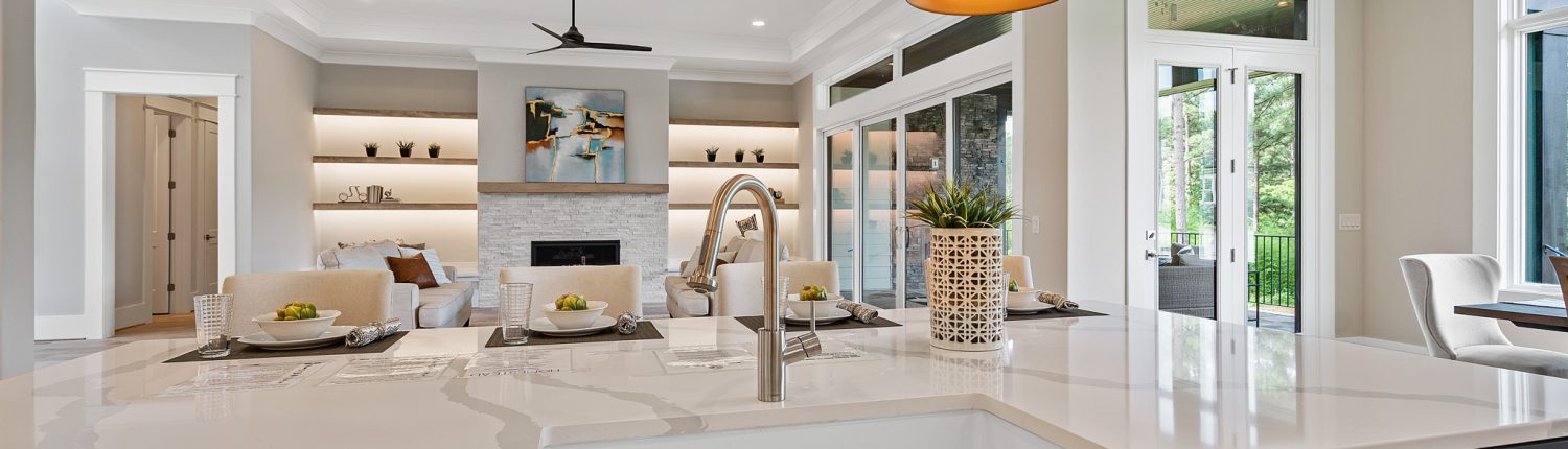 The Palisades   Kitchen & Family Room