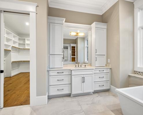 The Barcroft | Master Bathroom