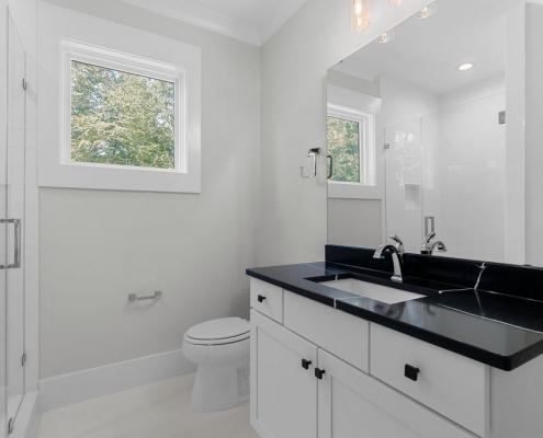 The Oxford | Bathroom
