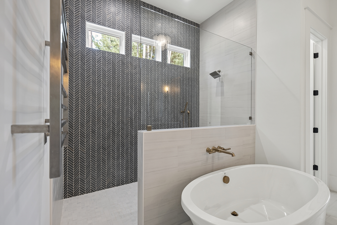 The Cardiff | Master Bathroom