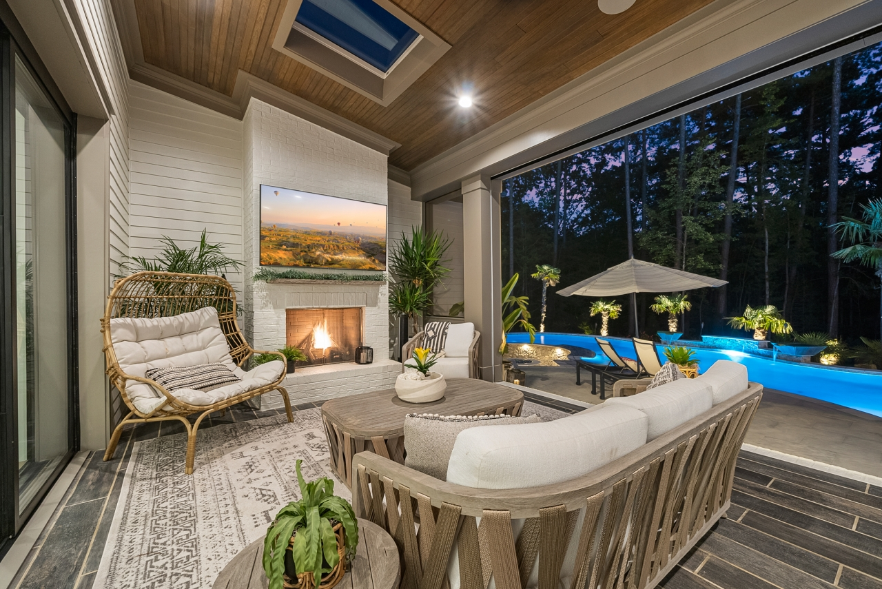 The Manchester   Outdoor Living