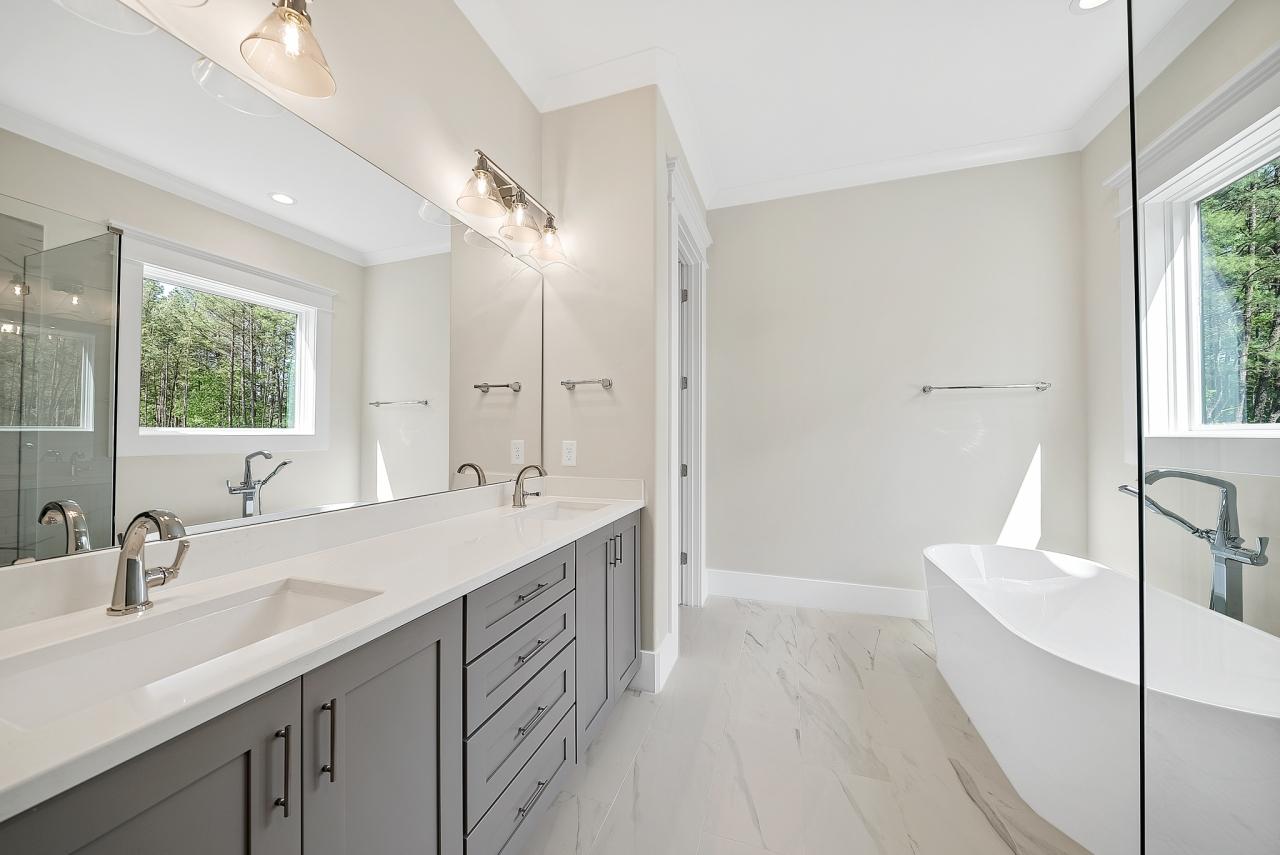 The Modern | Bathroom