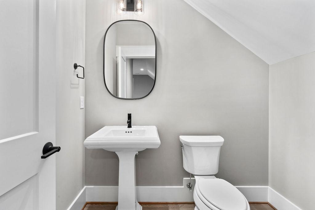 The Montserrat   Bathroom