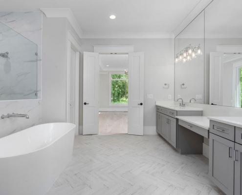 Custom Plan | Owner's Bathroom